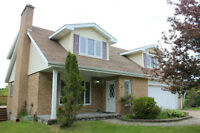 Beautifully Renovated Executive Home for Sale!!