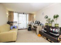 1 bedroom flat in Elektron Tower, Canary Wharf, E14