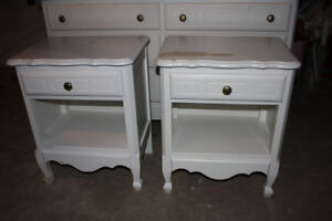 4 Piece Bedroom Set - Dresser w Mirror and 2 Night Tables