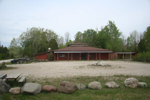 Great Investment - SAUBLE BEACH Restaurant, 6 Acres and 2bdrm