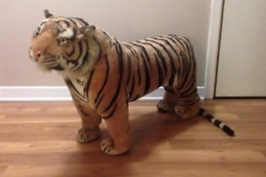 Large tiger decor piece