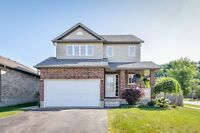 Beautifullly maintained home with pool size lot