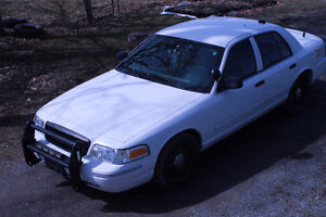 """2010 Ford Crown Victoria, Ex-Police Car  """" Loaded"""""""