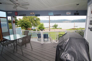1 bedroom lake front suite Carrs Landing Lake Country