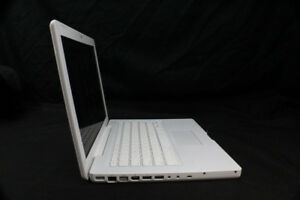 "Apple White Macbook 13"" A1181 (FOR PARTS)"