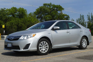 2012 Toyota Camry Hybrid LE Sedan - Great Condition, Great Price