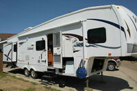 2008 Forest River Wildcat 32 QBBS 5th wheel