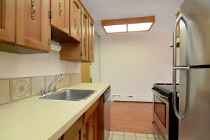 !Red Alert 4 the Savvy Investor!Lower-Lonsdale 1-Bdrm Great Bldg North Shore Greater Vancouver Area image 7