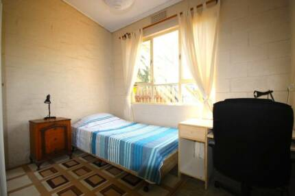 Large bright house, furnished bedroom, internet and cleaner Prospect Prospect Area Preview