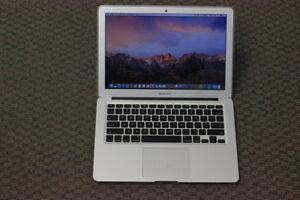 "13"" Macbook AIR EARLY 2014 * Core i5 * 8GB RAM * 256 GB"