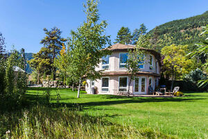 Beautiful Home on Acreage with Stunning Views, Sparwood BC - B&B