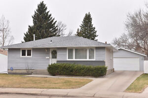 1308 Queen Crescent, Moose Jaw