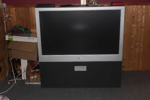 FLOOR MODEL FLAT SCREEN TV  QUICK SALE