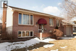 2 BEDROOM JULY 1ST - LOWER UNIT, 895 OLD COLONY RD