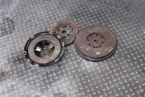 Land Rover Series flywheel and clutch assembly