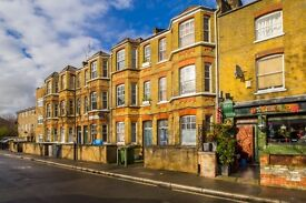1 bedroom flat in Fitzalan Street, Kennington, London, SE11