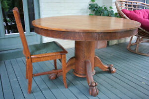 Vintage round oak table and 4 dining chairs