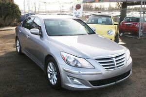 2013 Hyundai Genesis Sedan Premium LEATHER, SUNROOF,HEATED SEATS