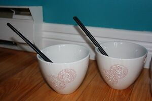Tea pot, 4 cups and 2 noodle bowls St. John's Newfoundland image 3