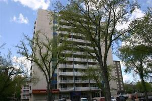 $500 Moving Allowance!  1 Bedroom in the Heart of Downtown!