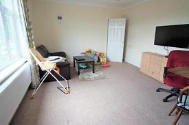 2 bedroom flat in Harbury Road, Henleaze, Bristol, BS9 4PL