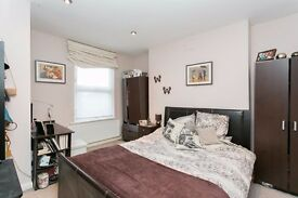 Neat Room Located on Edgewrare Road near Paddington, Marylebone, Warwick avenue, St Johns Wood