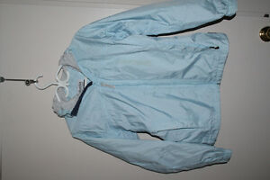 Columbia waterproof packable rain jacket sz M