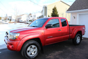 2011 Toyota Tacoma 4x4 TRD OFF ROAD Pickup Truck- 61800kms