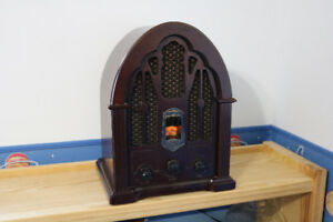 General Electric Cathedral Radio Replica (Model 7-4100J)