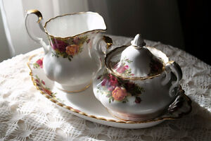 Royal Albert Old Country Roses Creamer, Sugar Bowl, Regal Tray