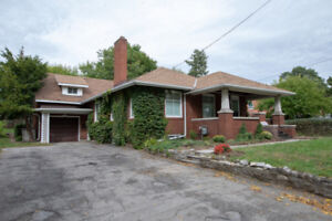Outstanding character home in great Niagara Falls location.