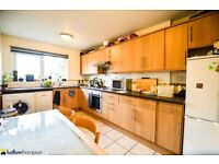 Used, Split level three bedroom maisonette with two baths, parking & set on the riverbank LT REF: 2192059 for sale