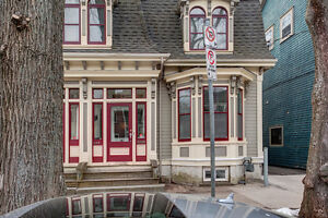 3 Bedroom Victorian Gem minutes walk to all Halifax has to offer
