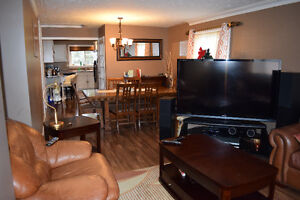 RENOVATED GORGEOUS HOME WITH LARGE RAVINE LOT