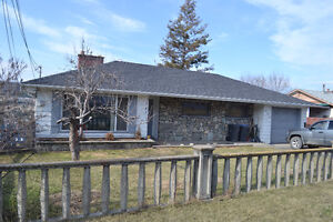 Updated 5 bedroom home with 2bd. inlaw suite