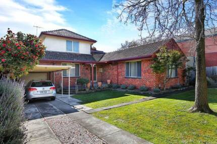 Gorgeous 5 Bedroom Home in Burwood- Gardening Included
