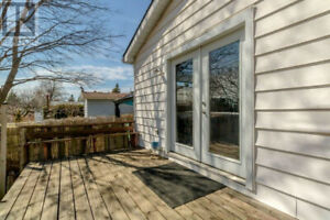 AUG 1ST! UTILITIES INCLUDED! PRIVATE DECK & YARD! 1.5 BATH!