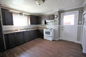 Cozy 3 bedroom home close to all amenities!
