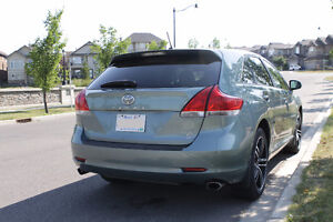 2009 Toyota Venza 3.5L V6 AWD SUV, Crossover - Low KM & Clean