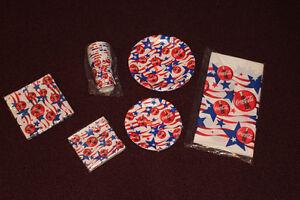 6 piece Coca-Cola set - plates, napkins, paper cups & tablecloth