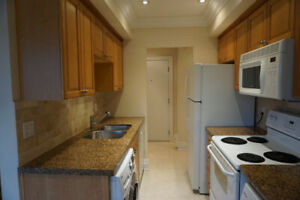 Bright and Spacious 700 sqft 1 Bedroom Condo - Keele St. and 401