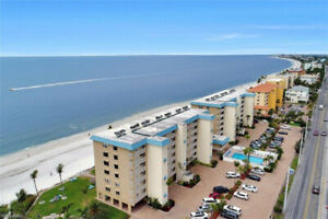 Getting Cold?  Fort Myers beach...4th floor Beachfront Condo