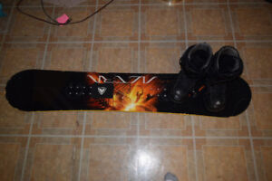 144 Snowboard + Boots (comes with bindings)