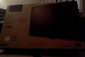 "32"" Insignia LED TV (720p) - HD (NEW)"
