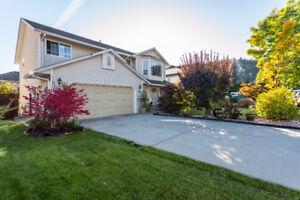 Desirable Home With In-Law Suite in North Glenmore!!