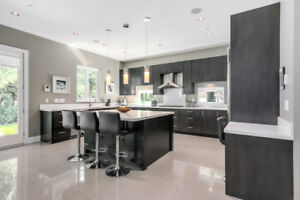 *CLEAN & MODERN 5 BED HOME FOR RENT IN WEST VANCOUVER!*