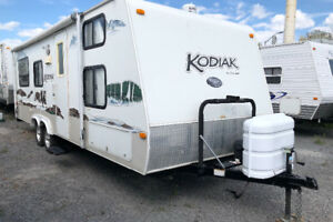 2008 kodiak 26qbh  quad bunk sleeps to 10 $8,900