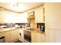 2 bedroom flat in Woodside Grange, Woodside Park, N12
