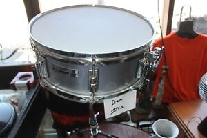 snare drum and stand taye rock pro