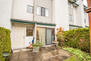 $2750(ORCA_REF#8-230) 1507 sq/ft 3 level townhouse in central lo
